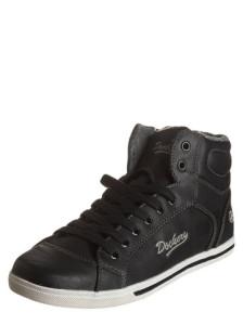 sneakers-in-schwarz
