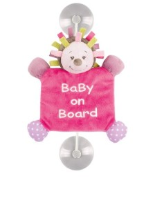 dekohaenger-baby-on-board-in-pink---h-32-cm
