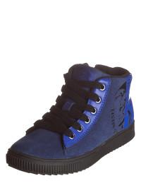 sneakers-in-blau